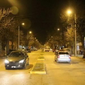 Puesta en funcionamiento de renovadas luminarias en Av. Estrugamou