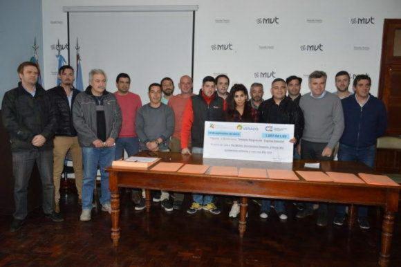 """Emprendedores seleccionados del """"Capital Semilla"""" recibieron los fondos"""