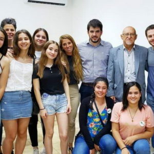 """Apoyo del intendente al proyecto ecológico """"Biotellas"""""""