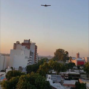 El gobierno activó un trabajo con aviones para combatirlos mosquitos