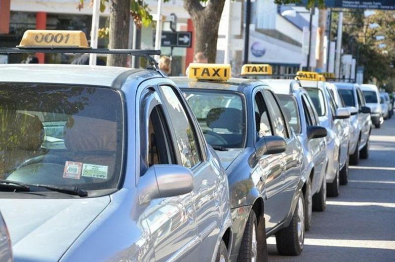 El municipio realizará una desinfección gratuita y obligatoria de taxis y remises