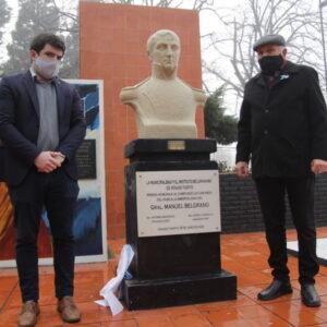 Homenaje a Belgrano con descubrimiento de placa en el Parque Municipal