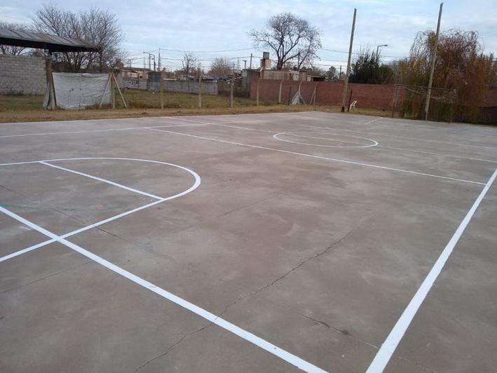 La municipalidad inició un plan de arreglo y pintado de playones deportivos