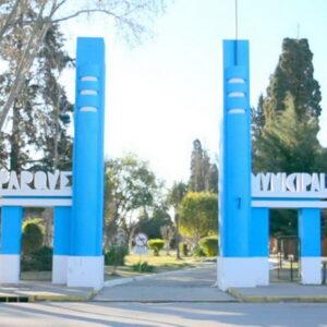 El gobierno de Venado Tuerto refuerza las tareas de limpieza y mantenimiento para embellecer el parque municipal