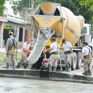 Más obras: el gobierno municipal avanza con una nueva cuadra pavimentada en Barrio Norte