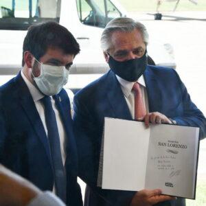 Visita presidencial: el presente del intendente Chiarella a Alberto Fernández