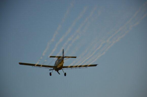 Con aeroaplicación controlada el Municipio avanza en la eliminación de mosquitos y dengue