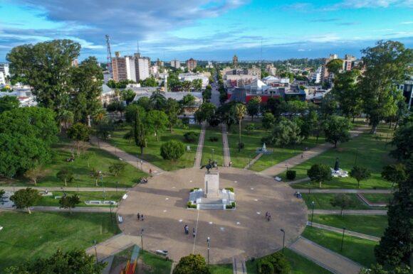 Esta noche inauguran la nueva iluminación led en la Plaza San Martín