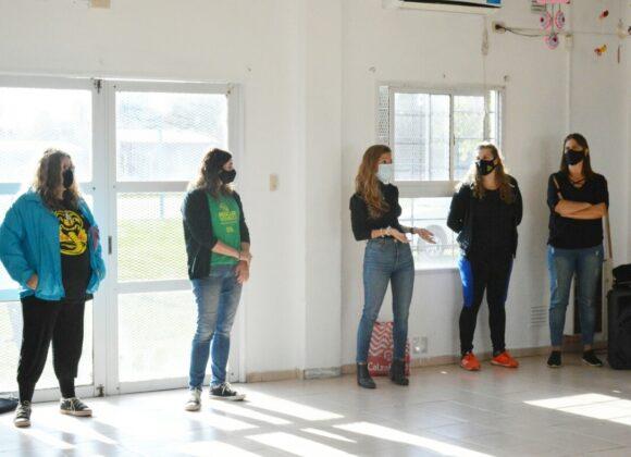 """Voluntarios de """"Reciclar Venado"""" capacitaron a participantes de la Colonia de Adultos Mayores del CIC"""