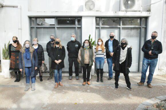 """""""Venado Ayuda"""" puso en marcha una campaña solidaria para proteger a familias del frío"""