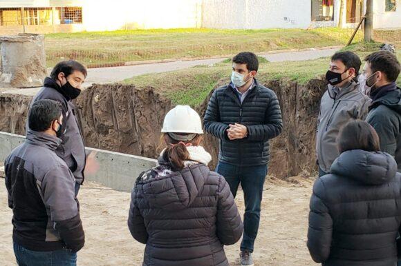 El intendente y funcionarios provinciales recorrieron obra hídrica que se construye en barrio Ciudad Nueva