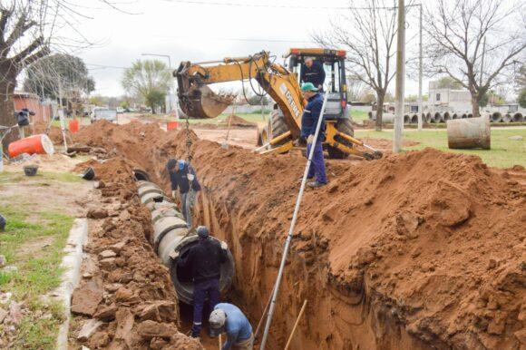 El Municipio ejecuta los últimos metros de desagües en calle Turner