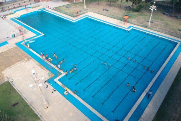 El Gobierno de la ciudad acondiciona el Parque Municipal y natatorio pensando en la próxima temporada de verano